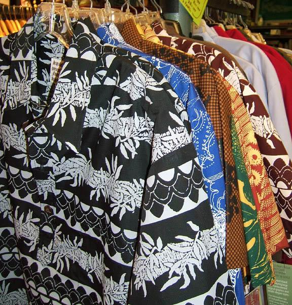 Nakeʻu Awai designs.
