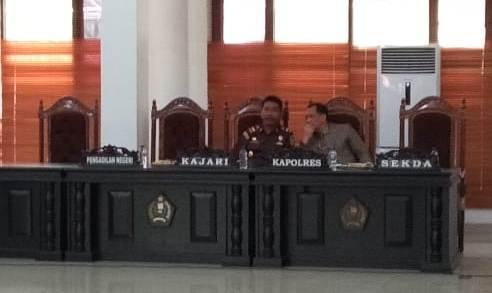 Ketgam : Rapat penyempurnaan APBD Konawe Kejari Konawe, S.B Sirigar, Sekda Konawe Ferdinand