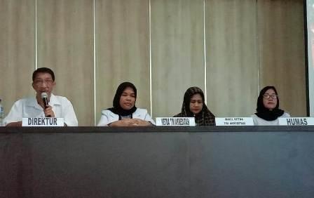 Ketgam : kepala RSUD Konawe dr. H. M. Agus Lahida, bersama saat konfrensi pers