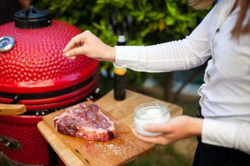 rostilj zene tbone steak kamado madness 1