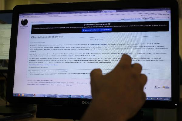 Nueva directiva europea de copyright: Wikipedia está exenta