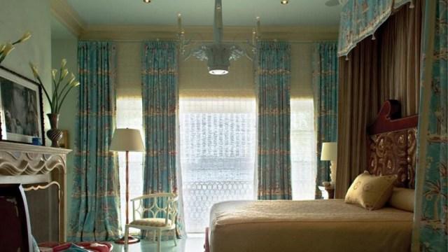 Gorden kamar tidur elegan Modern