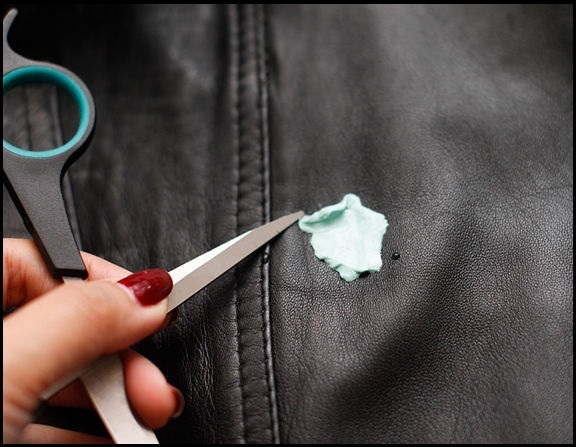 Getting Gum Off Your Clothes Kamdora