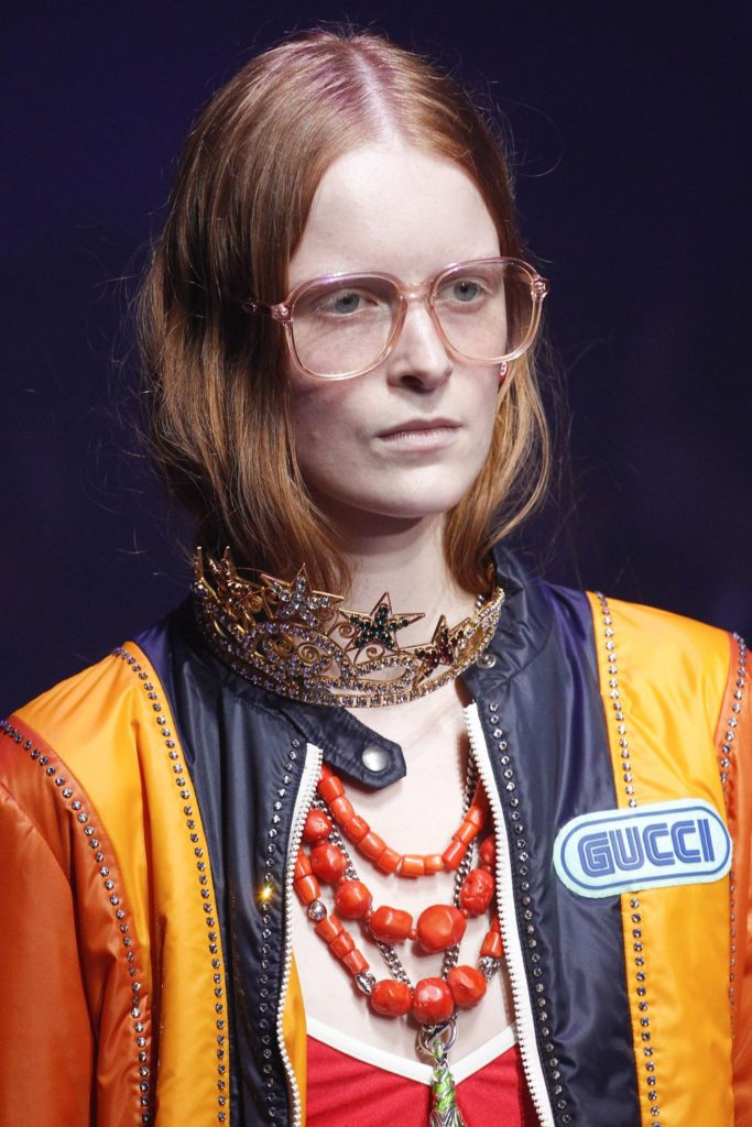 Gucci - Everything else works - the frames and the neck piece - but why exactly is that crown on her neck? Did it fall off? So many questions.