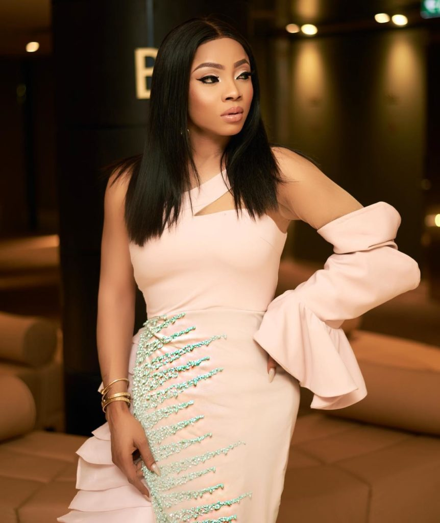 Toke Makinwa in DZYN 3