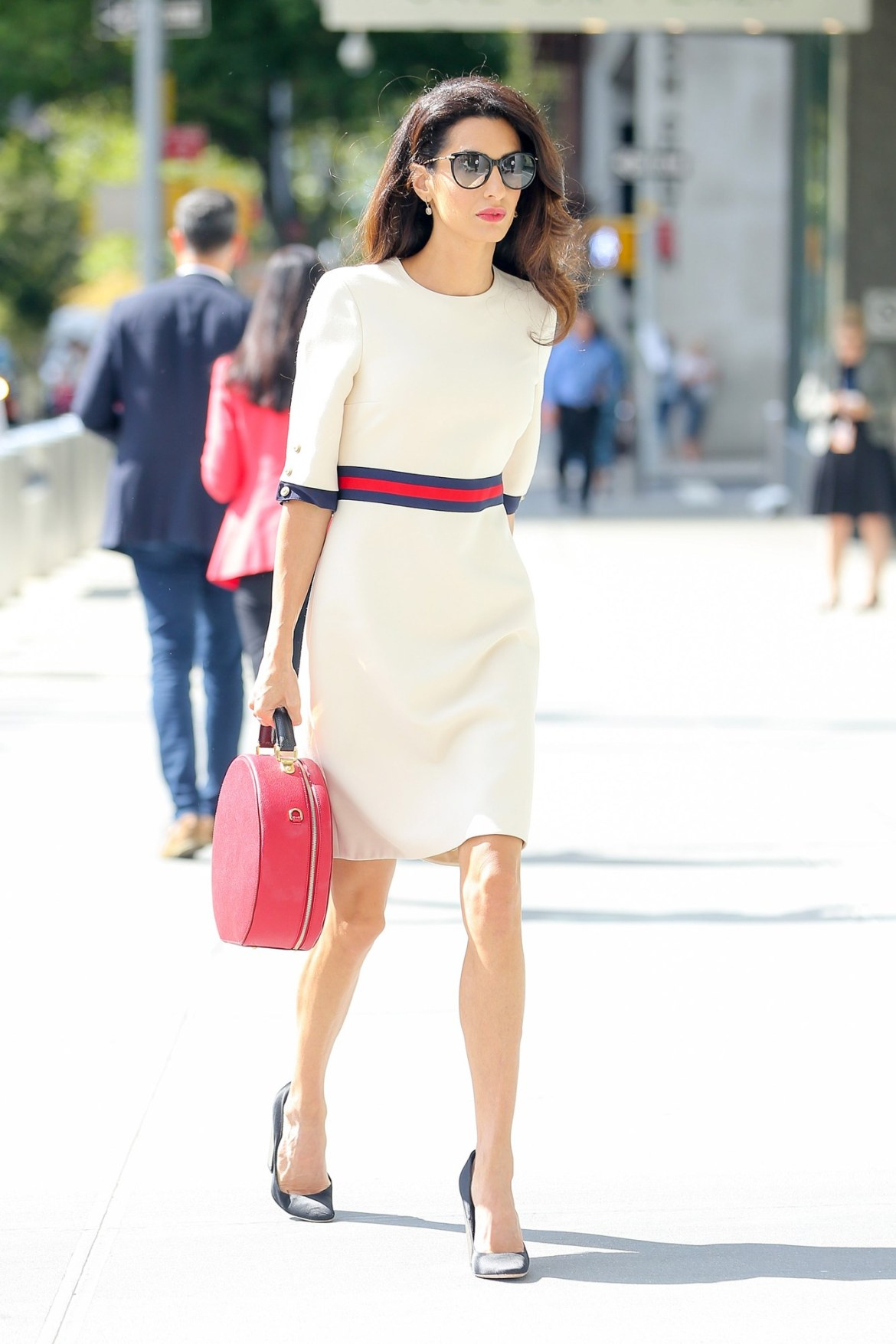 Amal Clooney does work style perfectly 1