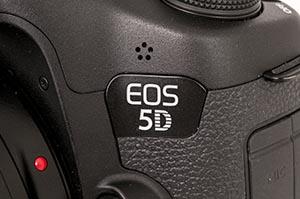MERKEVAREN: EOS 5D-logoen har vært med i flere generasjoner nå. (Foto: Toralv Østvang)