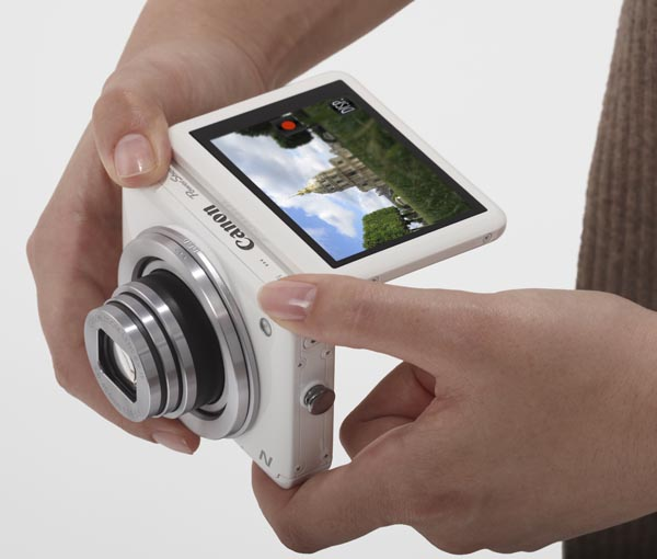 Canon PowerShot N i bruk. (Foto: Canon)