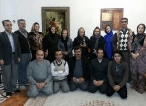 اهدای تندیس به محمد صدیق کبودوند