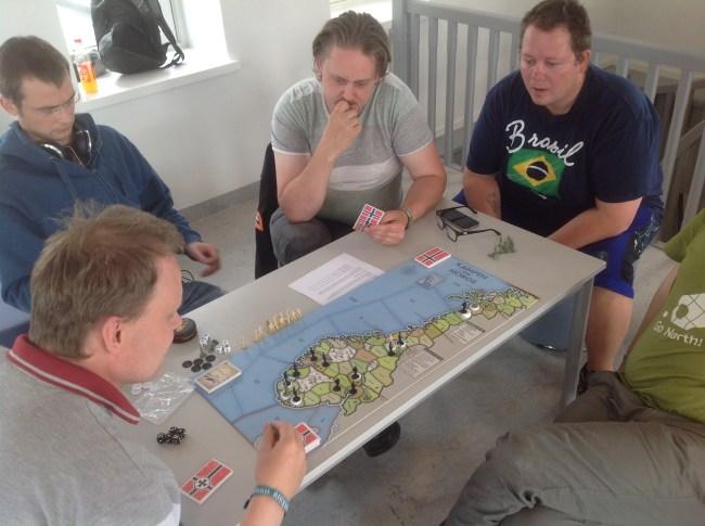 Oslo, Kristiansand og Bergen har falt tilbake på tyske hender, mens det motsatte har skjedd i Trondheim.