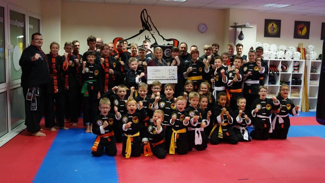 Die Kampfkunstschule Tetzlaff sammelt 1.000 € für den guten Zweck