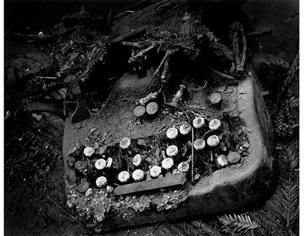 Wynn Bullock, Old Typewriter