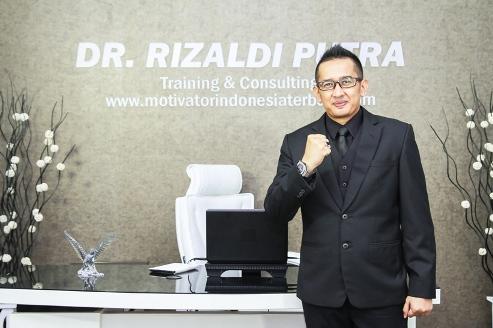Rizaldi Putra: Motivator Bergelar Doktor