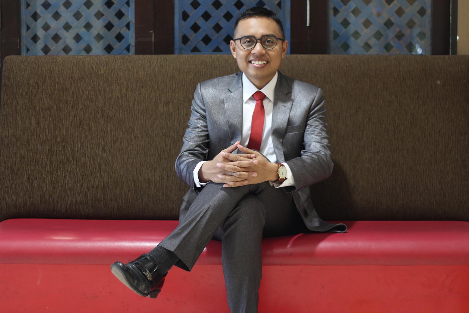 """Agung Setiyo Wibowo: Penulis Buku """"Jadi, Kamu Pilih Jurusan HI?"""""""