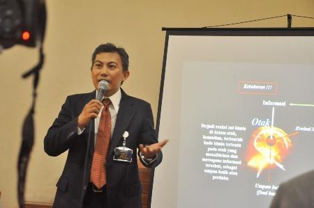 Muchlis Anwar: Bersinar di Bidang Public Speaking