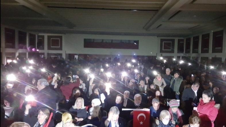 """Meral Akşener'in """"HAYIR"""" propagandasına elektrik kesintisi"""