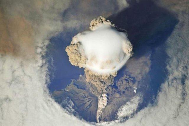 Dünyanın en güzel yerlerini uzaydan görün. Kasırga ve volkan patlamalarını da
