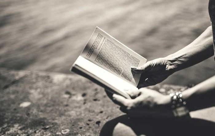 Keuntungan Hobi Membaca