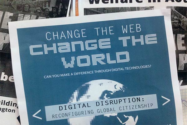 Strategi Menyiasati Disrupsi Digital