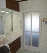 倉田邸洗面室から浴室