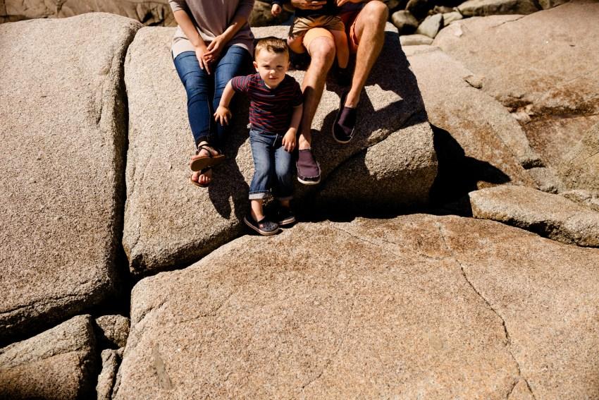 08-peggys-cove-family-portraits-kandisebrown