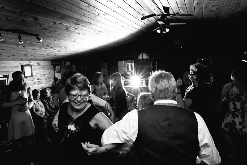 098-oakland-farm-lodge-wedding-kd2017-kandisebrownphotographer