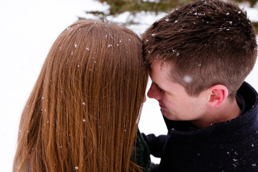 003-snowy-engagement-portraits-fredericton-kandisebrown
