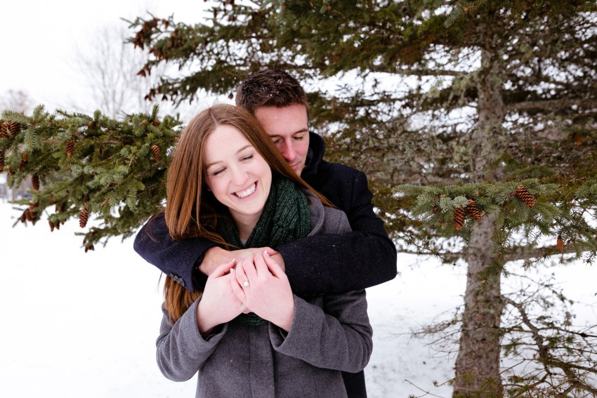 018-snowy-engagement-portraits-fredericton-kandisebrown