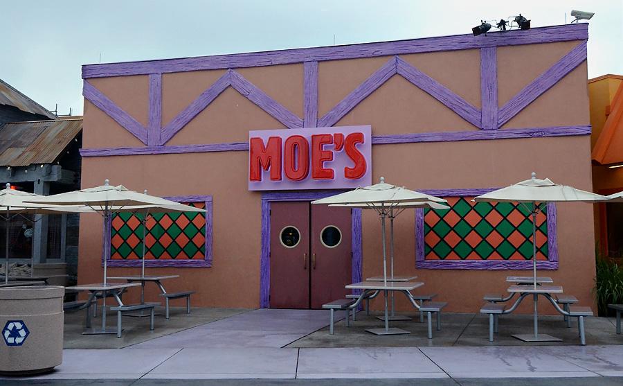 Universal Studios Moe's Tavern