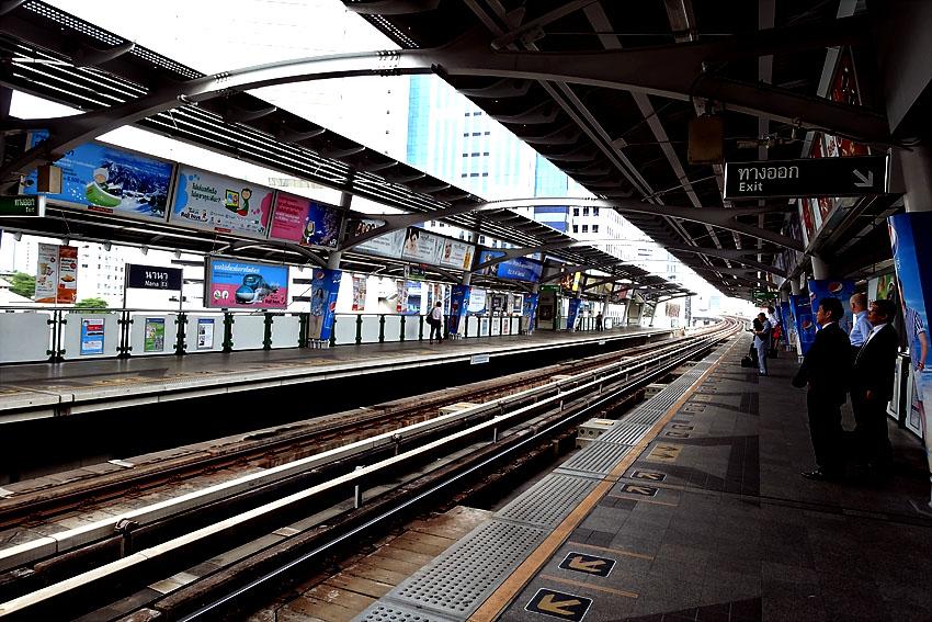 bangkok-sky-metro-station