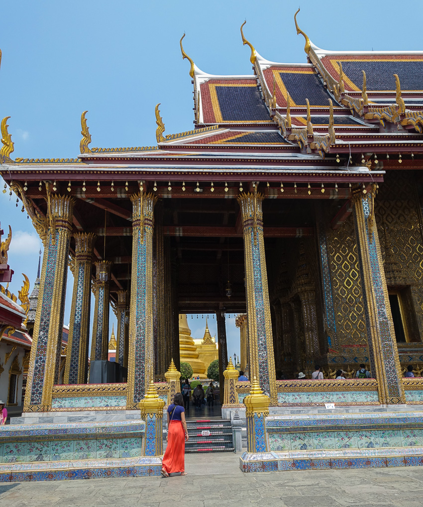 temple-of-the-emerald-buddha-exterior-2