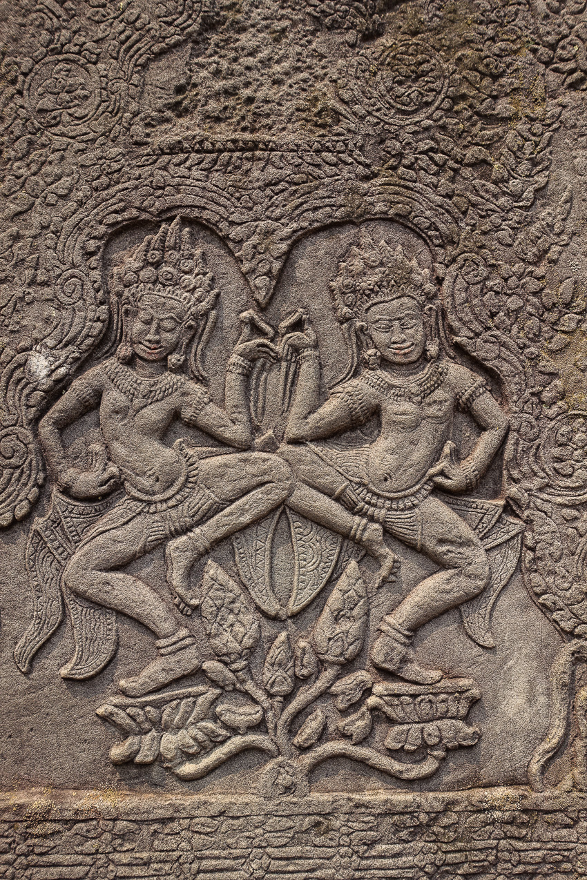 angkor-wat-angkor-tom-bayon-carving-2