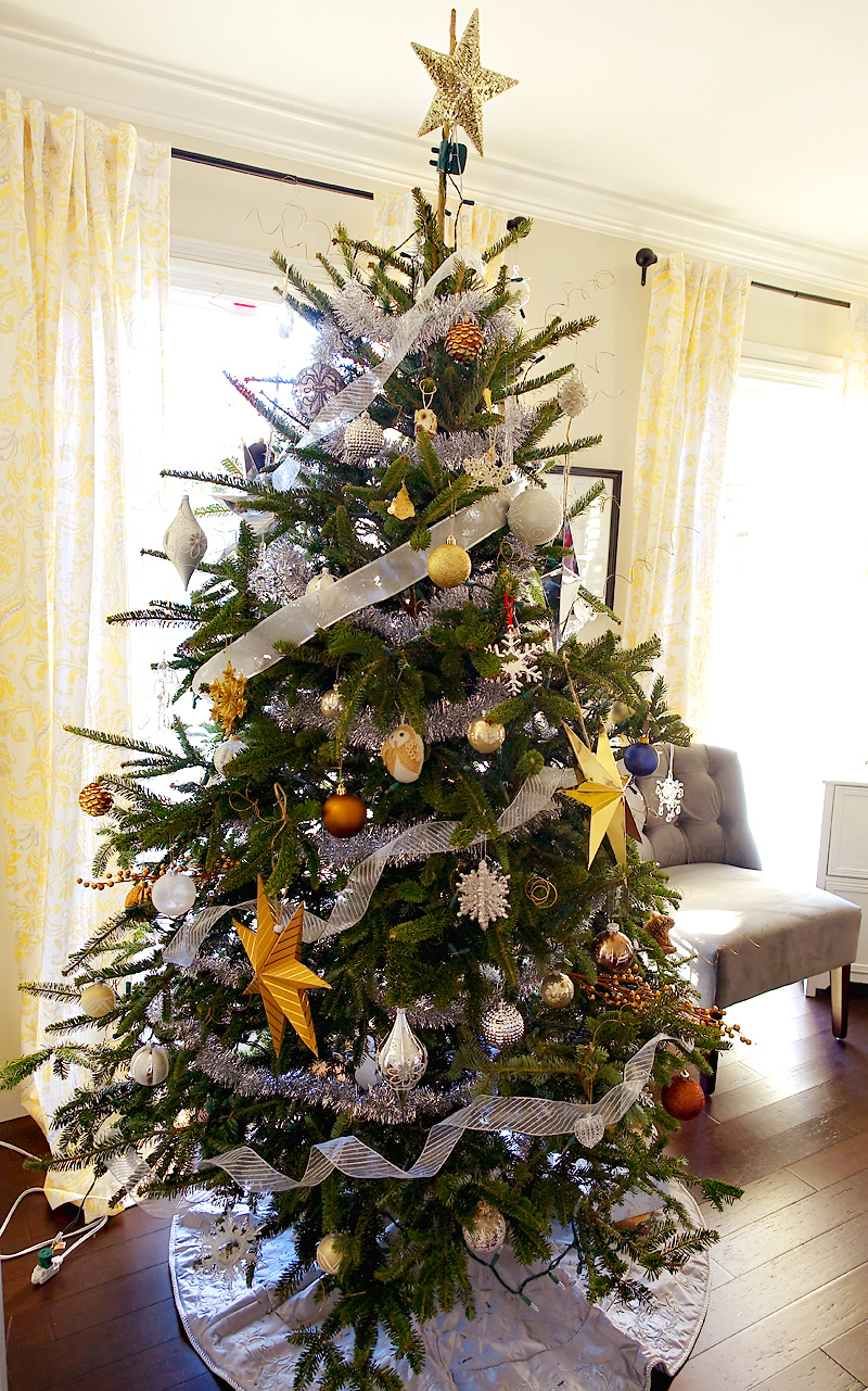 Holiday-Decor-Silver-Gold-Christmas-Tree