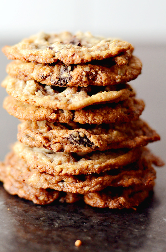 Chewy-Toffee-Chocolate-Chunk-Cookies-01