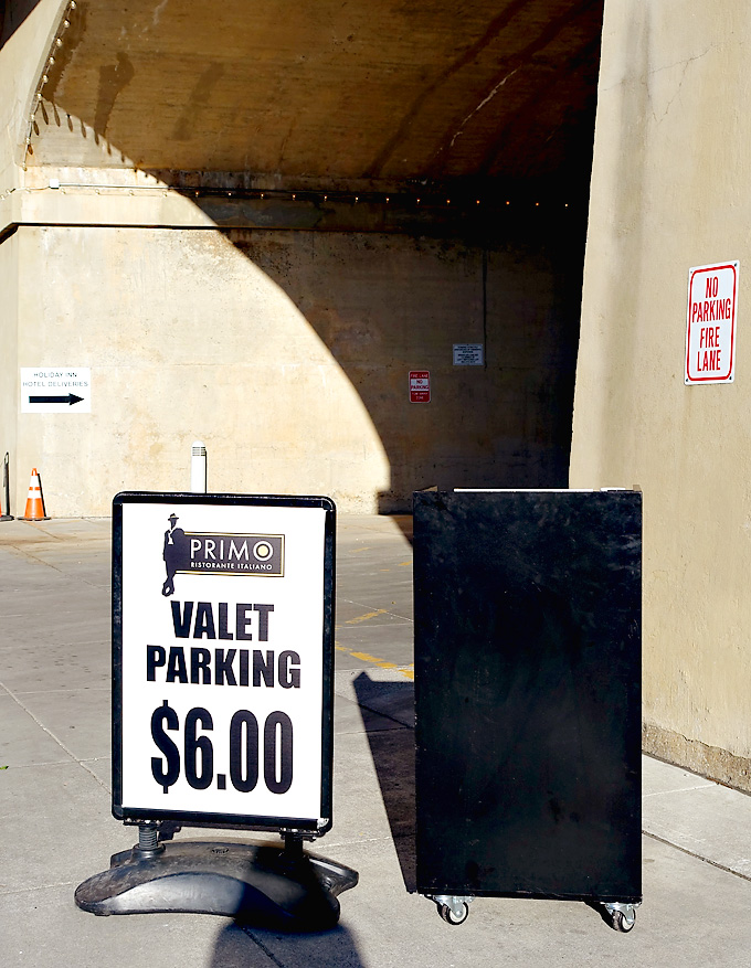 Primo-Italian-Restaurant-Sunsphere-Knoxville-Valet-Parking