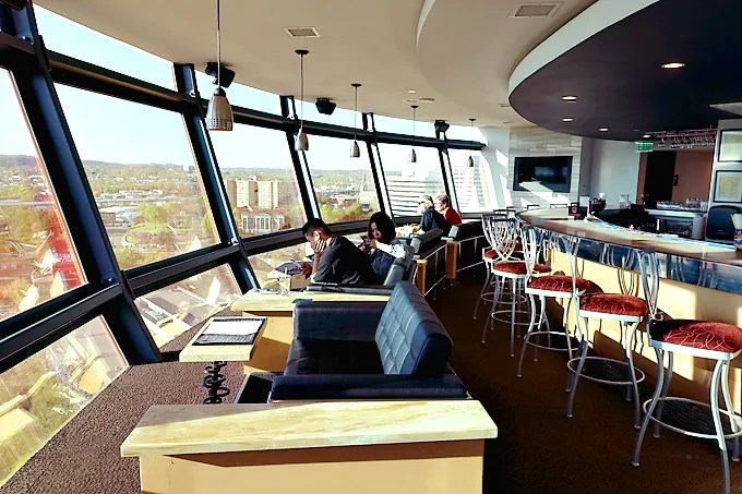 Primo-Italian-Restaurant-Sunsphere-Knoxville-View-02