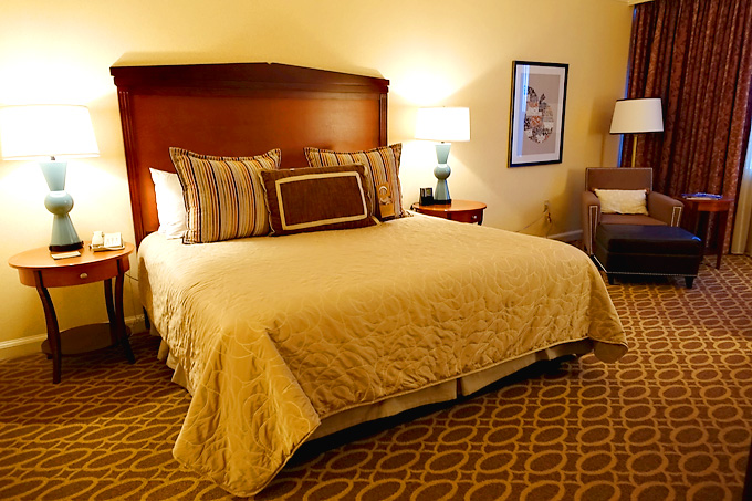 Atanta-Georgia-Omni-Hotel-Room-01