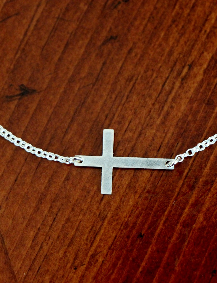 Sideways Cross Christian Faith Necklace Kandsimpressions