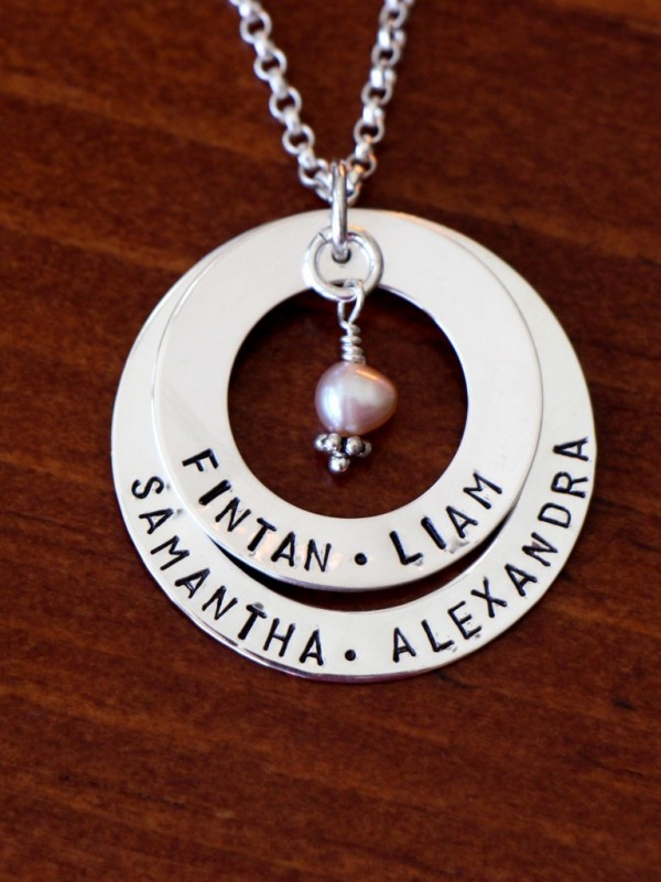 Layered-Personalized-Name-Necklace-Washer-Circles-e1486652972490