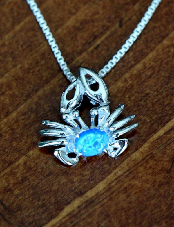 Crab Beach Lovers Necklace