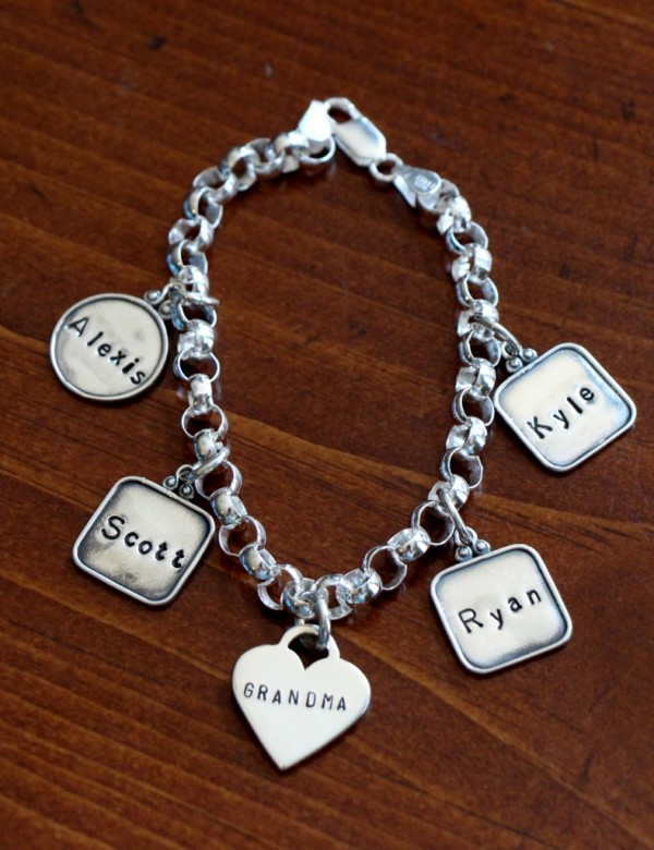 Personalized Heart Name Charm Bracelet Kandsimpressions