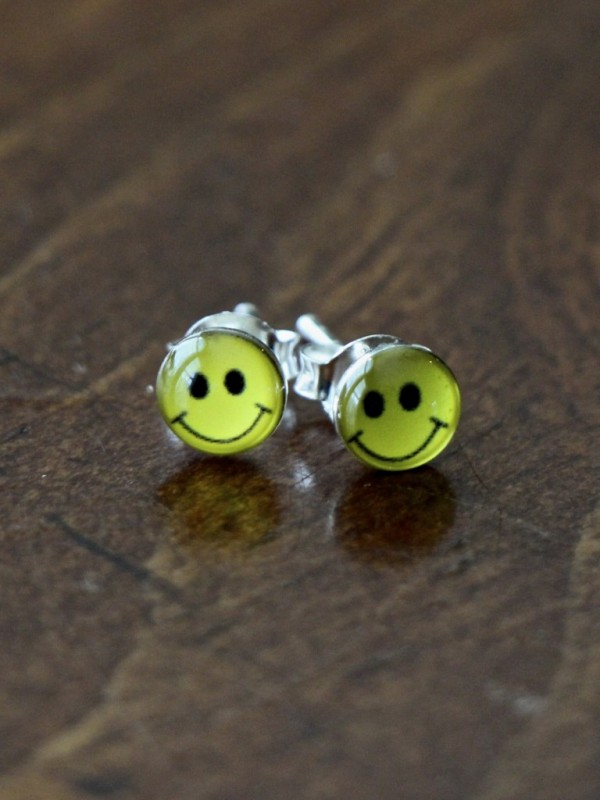 Smiley Happy Face Earrings Silver Kandsimpressions