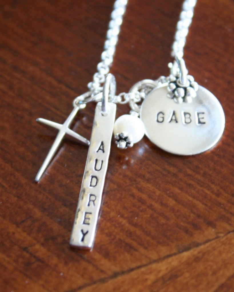 Cross Necklace With Two Names Mom Of Two Kandsimpressions