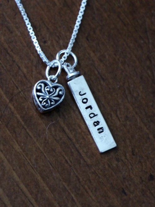 Two Sided Name Bar Heart Necklace Kandsimpressions