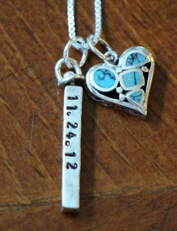 PERSONALIZED NAME BAR HEART NECKLACE