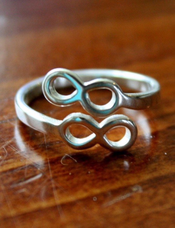 Infinity Ring Promise Ring Kandsimpressions