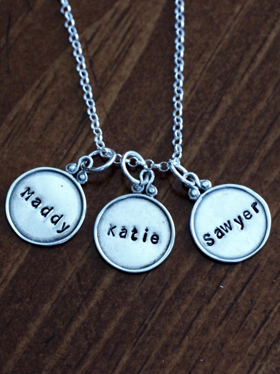 Mothers Name Necklace- Raised Rim