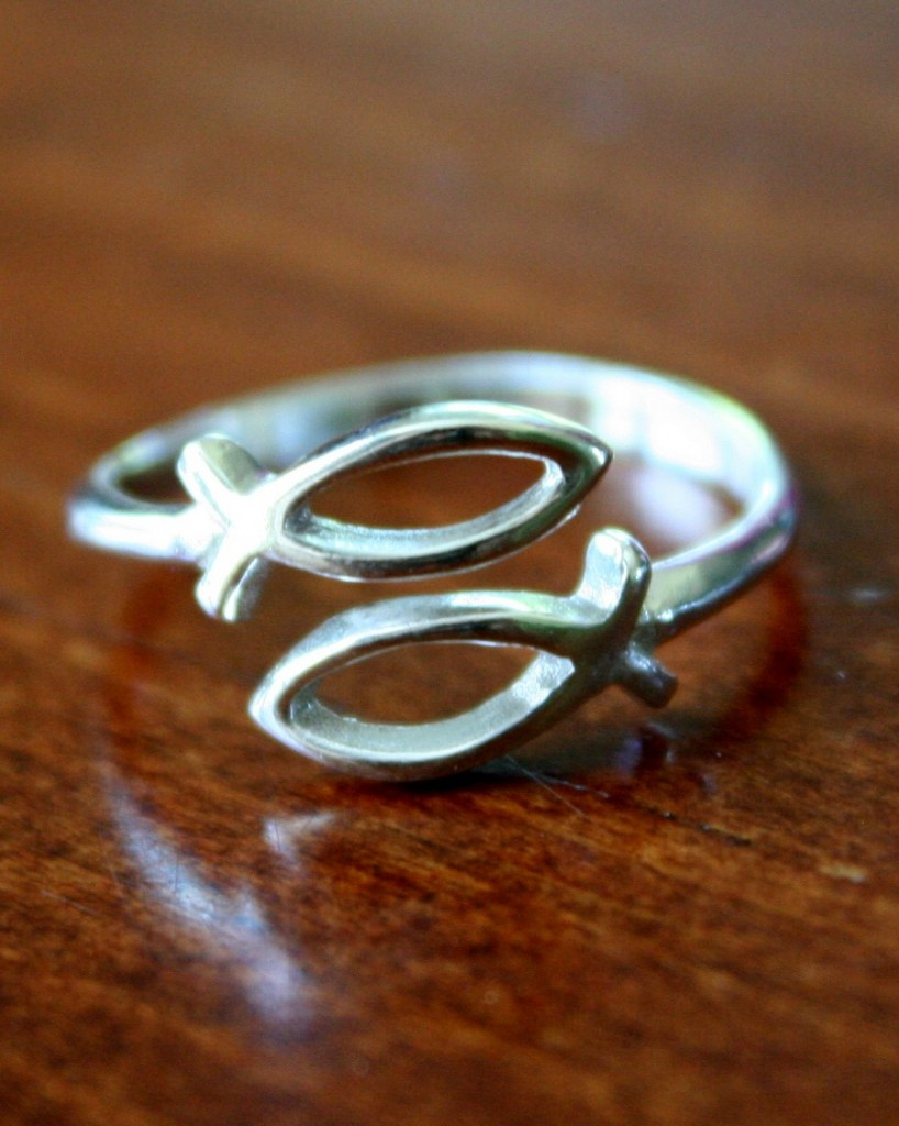 Sterling Silver Ichthus Fish Ring Kandsimpressions