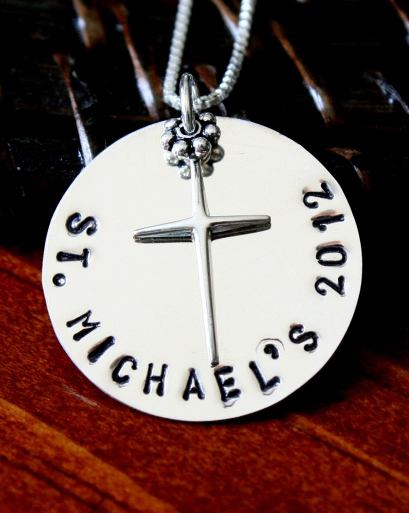 Personalized Name And Date Cross Necklace Kandsimpressions
