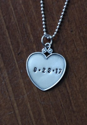 Anniversary Date Personalized Necklace Kandsimpressions